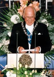 Auliige Lennart Meri 2001